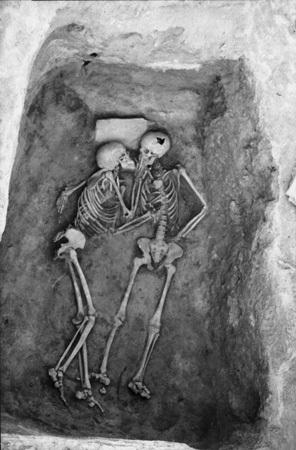 بوسه باستانی و مهرورزان پیش از تاریخ