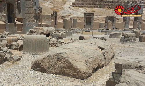 سنگ خام تراش در کاخ صد ستون / تخت جمشید نیمه کاره
