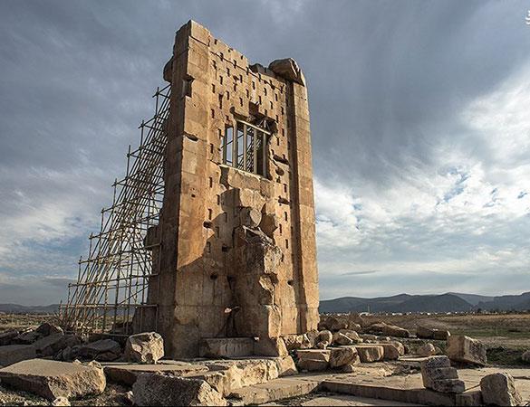 آشنایی با پاسارگاد | برج سنگی پاسارگاد
