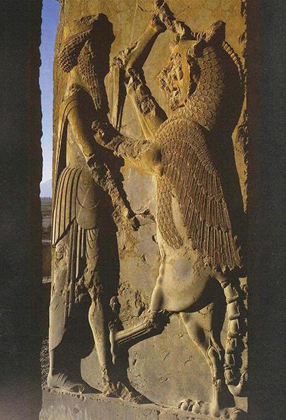 نقش برجسته نبرد شاه و پدیده اهریمنی در پارسه (تخت جمشید)